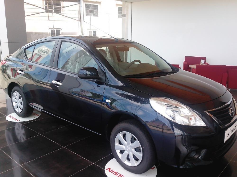 Cần bán xe Nissan Sunny sản xuất 2015, màu đen, giá 135tr-3