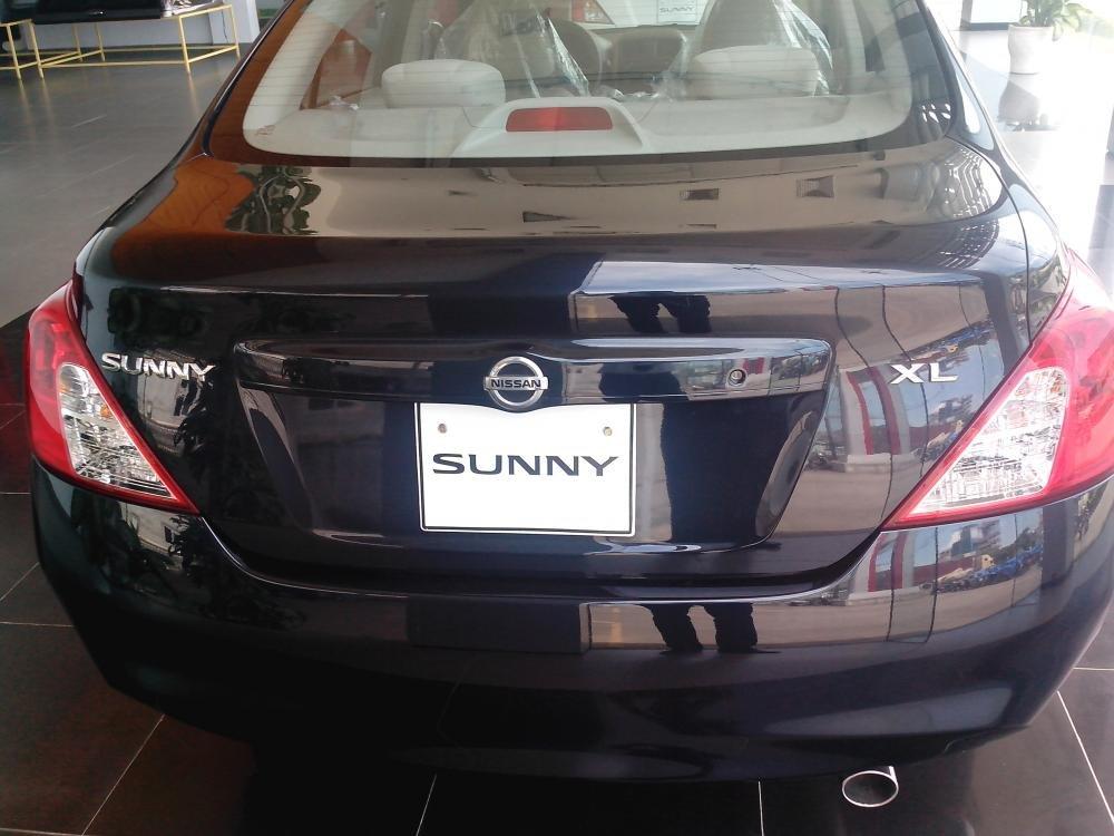 Cần bán xe Nissan Sunny sản xuất 2015, màu đen, giá 135tr-8