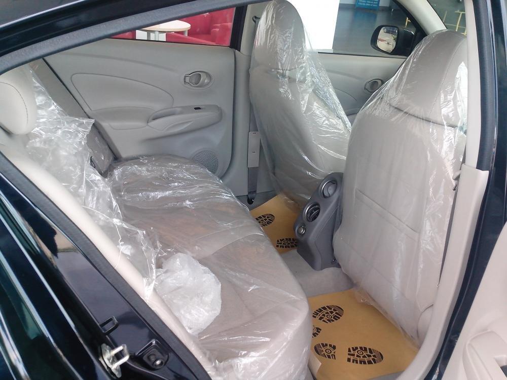 Cần bán xe Nissan Sunny sản xuất 2015, màu đen, giá 135tr-6