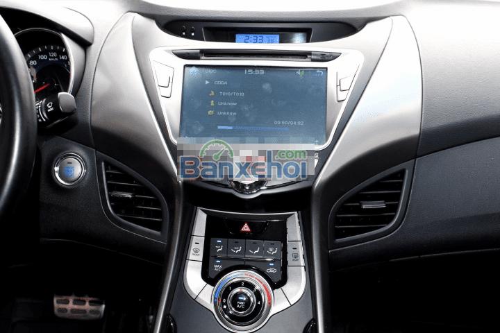 Cần bán Hyundai Elantra 1.8AT năm 2013, màu trắng, nhập khẩu, số tự động, 692tr-5