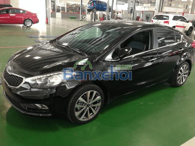 Cần bán xe Kia K3 2015, màu đen, nhập khẩu chính hãng-0