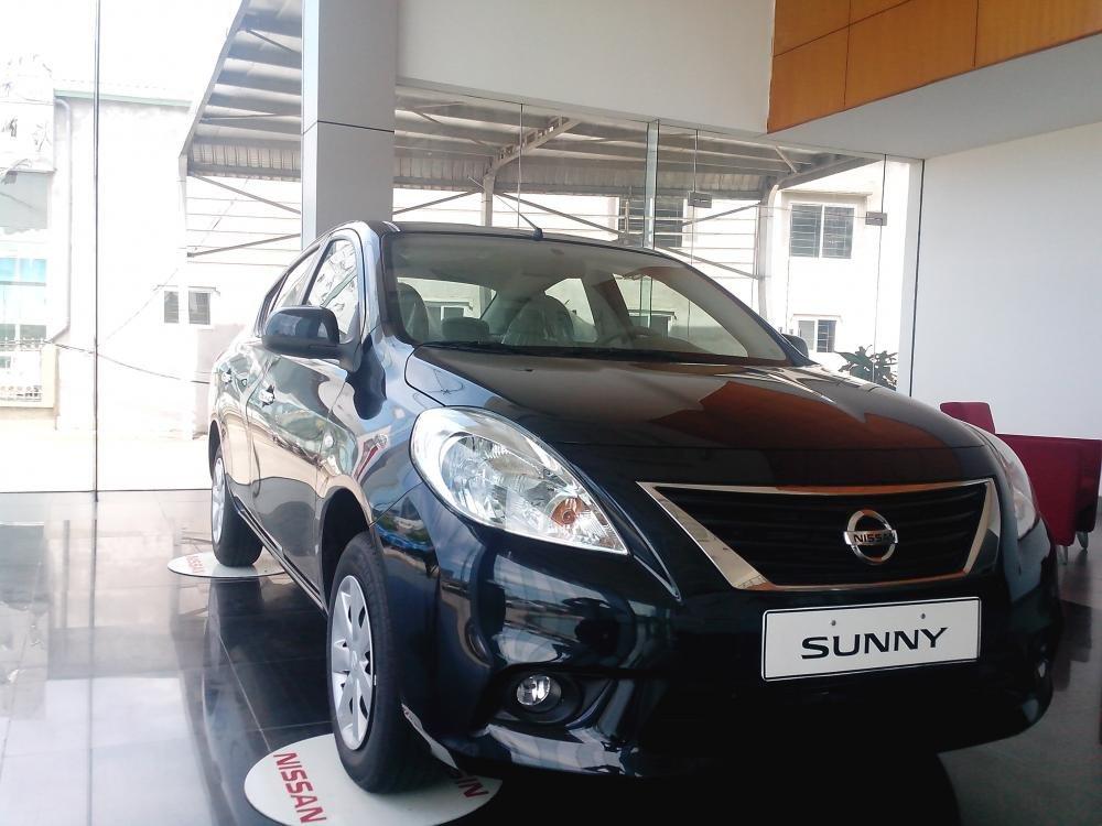 Cần bán xe Nissan Sunny sản xuất 2015, màu đen, giá 135tr-1