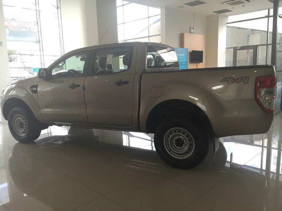 Cần bán xe Ford Ranger đời 2015, nhập khẩu nguyên chiếc-3
