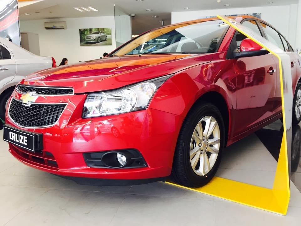 Chevrolet Cruze 1.6L LS - MT 560 triệu tặng dán phim 3m 5 món phụ kiện-2
