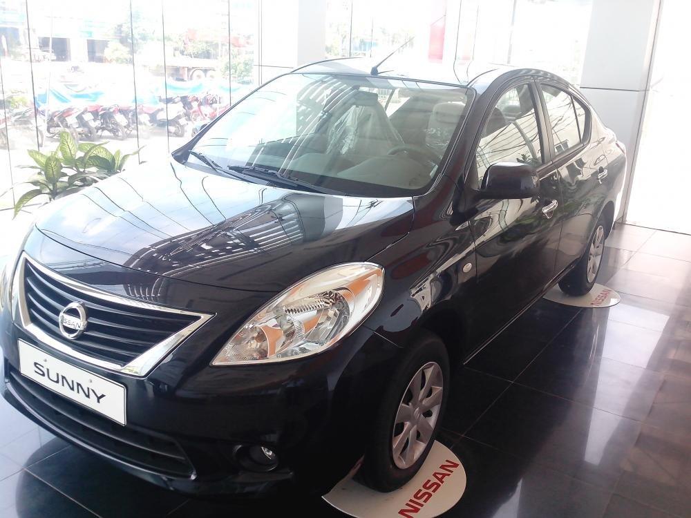 Cần bán xe Nissan Sunny sản xuất 2015, màu đen, giá 135tr-2