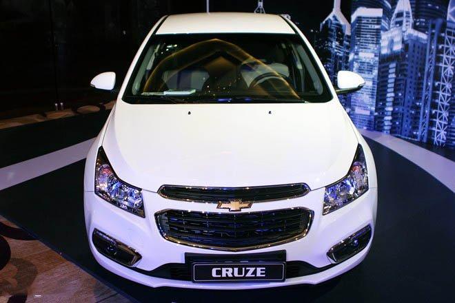 Bán ô tô Chevrolet Cruze sản xuất 2015, màu trắng, 552 triệu xe đẹp-0