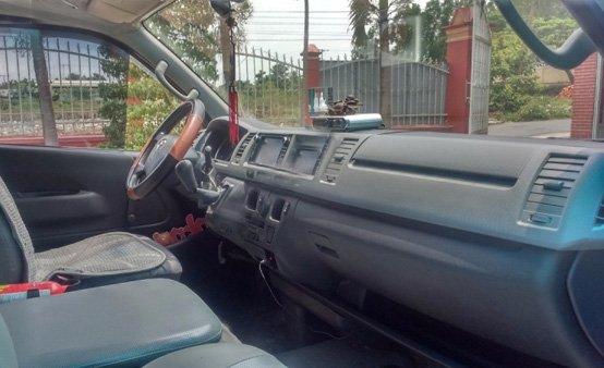 Cần bán Toyota Hiace 16 chỗ đời 2011. Gia đình sử dụng rất kỹ, không kinh doanh-4