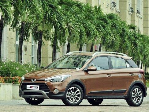 Hyundai i20 Active phù hợp với những ai thường xuyên di chuyển trong thành phố.