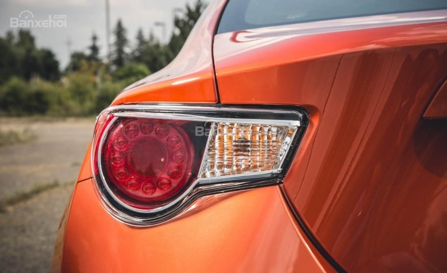 Đánh giá đèn chiếu hậu xe Scion FR-S 2016: