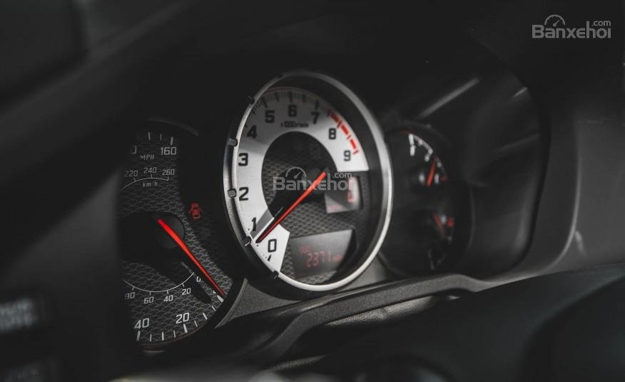Đánh giá đồng hồ xe Scion FR-S 2016: