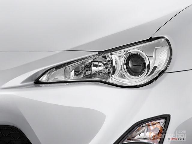 Đánh giá đèn pha xe Scion FR-S 2016: