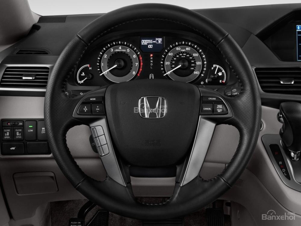 Đánh giá vô lăng xe Honda Odyssey 2016