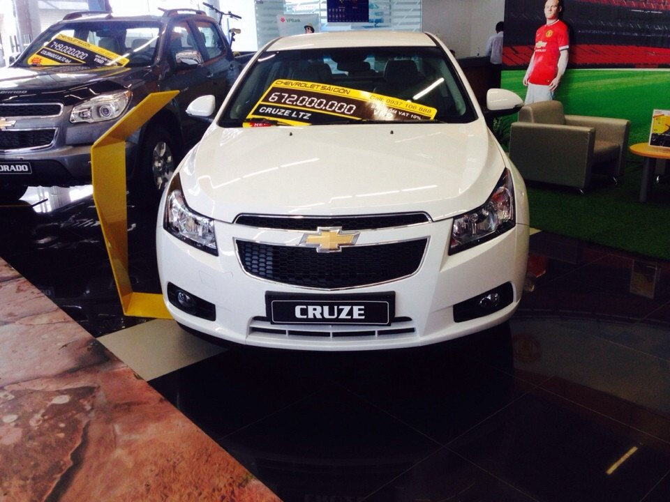 Chevrolet Cruze 1.8L LTZ - AT 612 triệu tặng dán phim 3m 5 món phụ kiện-0