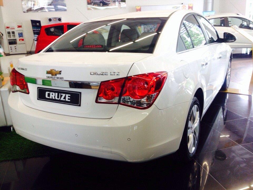 Chevrolet Cruze 1.8L LTZ - AT 612 triệu tặng dán phim 3m 5 món phụ kiện-7