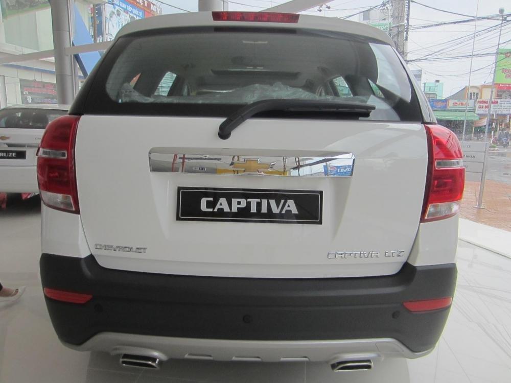 Chevrolet Captiva sản xuất 2014, màu trắng, 914tr-9