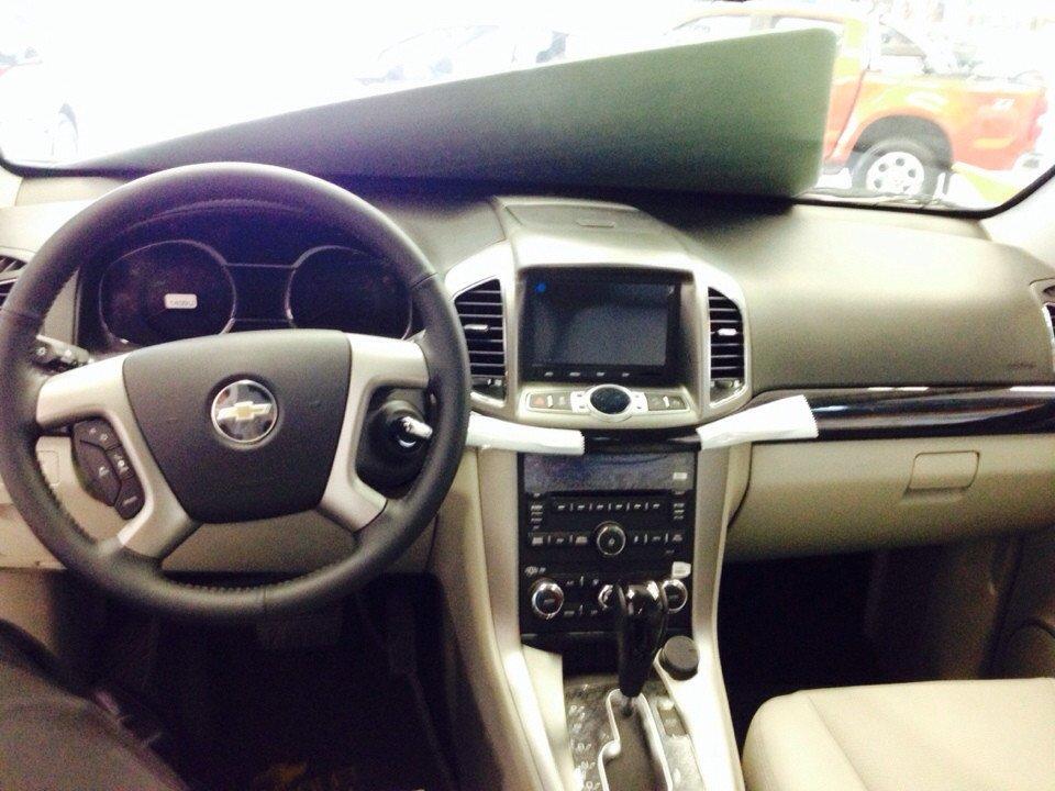 Bán ô tô Chevrolet Captiva đời 2015 xe đẹp-4