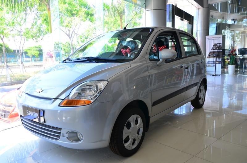 Spark Van: 02 chỗ ngồi, dung tích 0.8, số sàn, điều hòa hai chiều, tay lái trợ lực-0