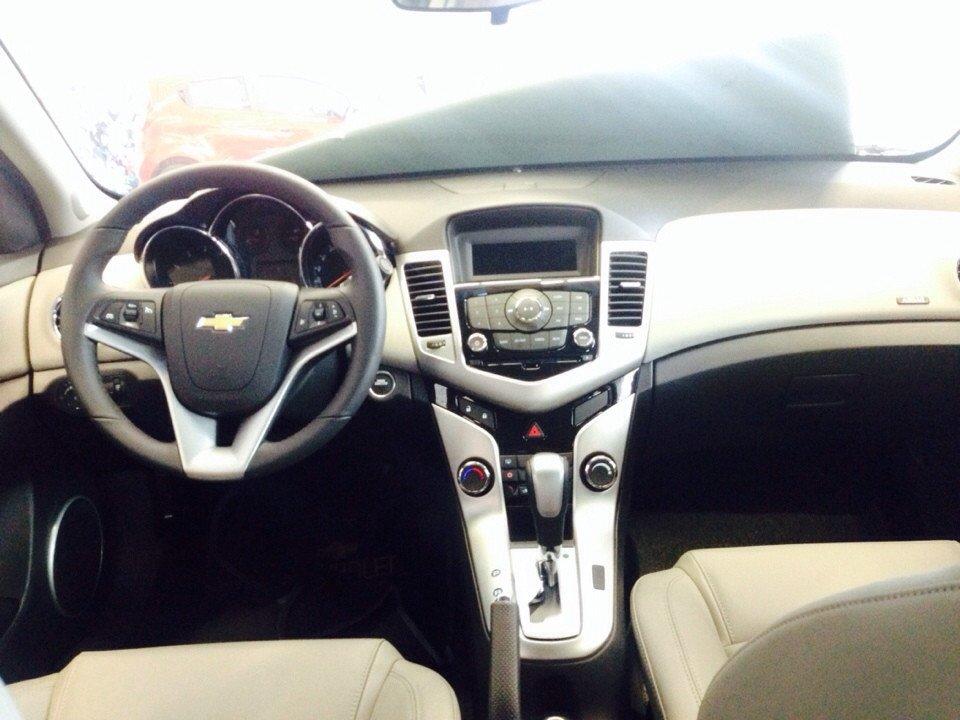 Chevrolet Cruze 1.8L LTZ - AT 612 triệu tặng dán phim 3m 5 món phụ kiện-3