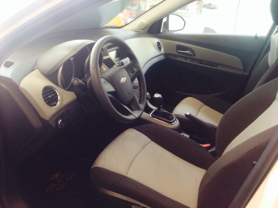 Chevrolet Cruze 1.6L LS - MT 520 triệu tặng dán phim 3m 5 món phụ kiện cần bán-3