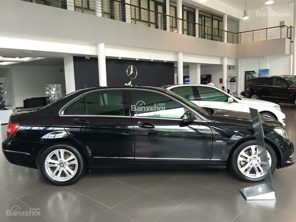 Bán Mercedes C200 đời 2011, màu đen-4