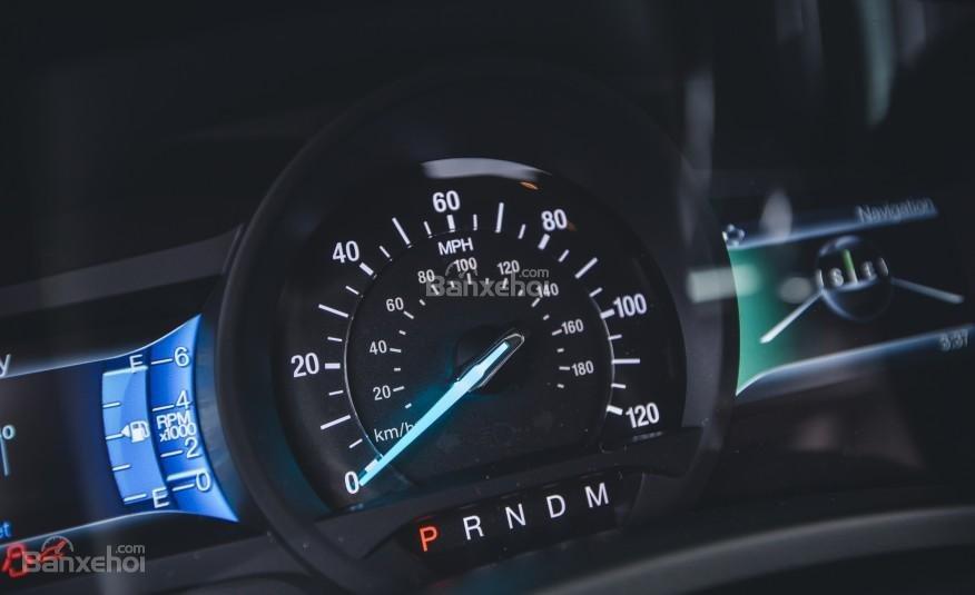 Đánh giá đồng hồ xe Ford Expedition 2016