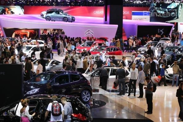 Triển lãm Paris Motor Show được tổ chức vào tháng 10 hàng năm