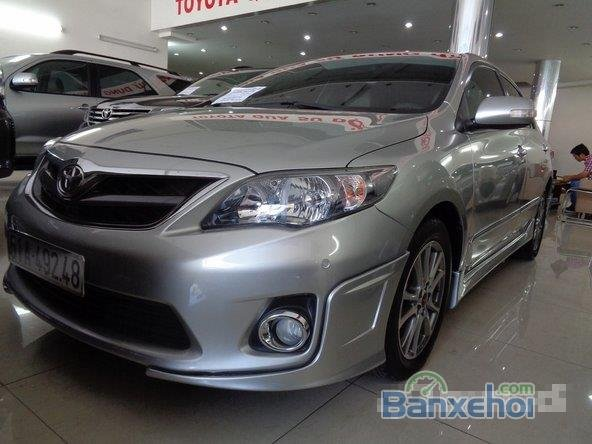 Xe Toyota Corolla Altis 2.0 2013 cũ màu bạc đang được bán-0
