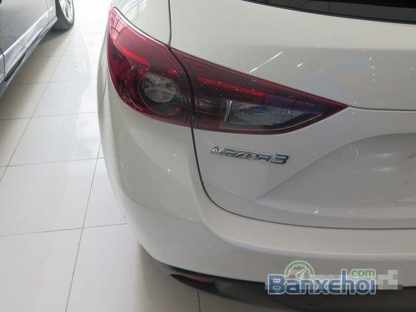 Xe Mazda 3 Skyactiv 2015 mới màu trắng đang được bán-3