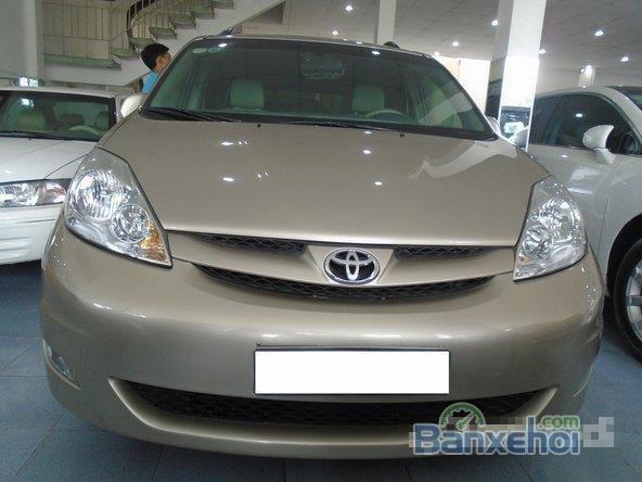 Cần bán xe Toyota Sienna Le đời 2007, xe đẹp như mới -14