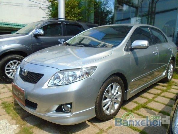 Chiếc Toyota Corolla Altis 2009 2.0G bạc đặc biệt này được bán với giá 645 tr-1