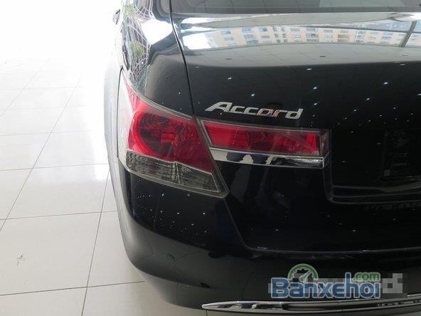 Cần bán xe Honda Accord AT năm 2012, màu đen đã đi 22000 km-6