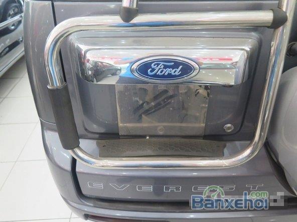 Xe Ford Everest 2010 cũ màu xanh dương đang được bán-3