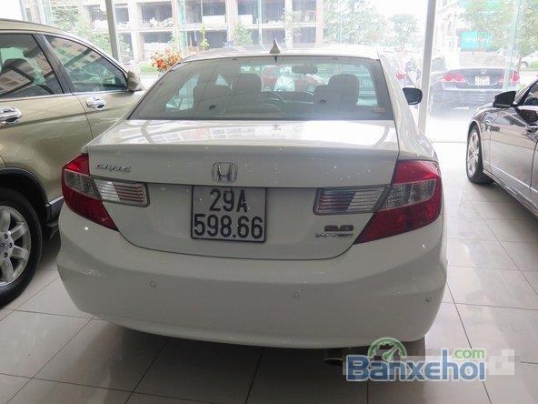 Xe Honda Civic 2 2012 cũ màu trắng đang được bán-3