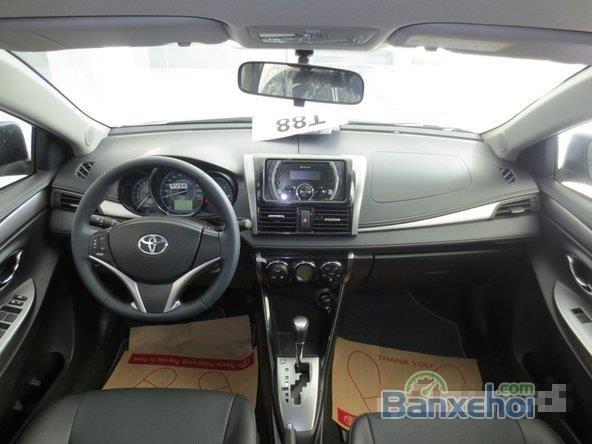 Cần bán xe Toyota Vios, màu đen giá tốt-9
