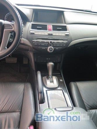 Cần bán xe Honda Accord AT năm 2012, màu đen đã đi 22000 km-2