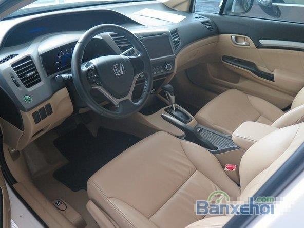 Xe Honda Civic 2 2012 cũ màu trắng đang được bán-5