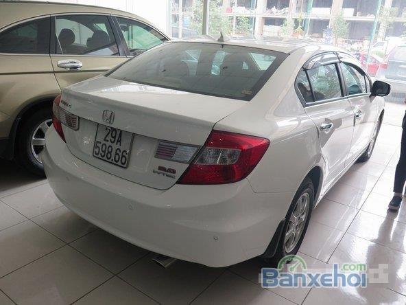 Xe Honda Civic 2 2012 cũ màu trắng đang được bán-2