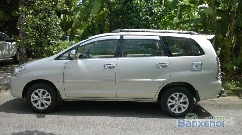 Cần bán gấp Toyota Innova MT đời 2006 đã đi 90000 km, xe đẹp-2