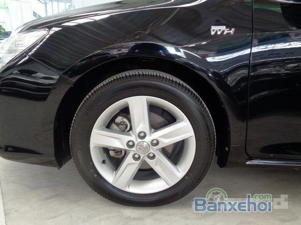 Cần bán gấp Toyota Camry 2.5G AT sản xuất 2014, màu đen đã đi 11000 km-2