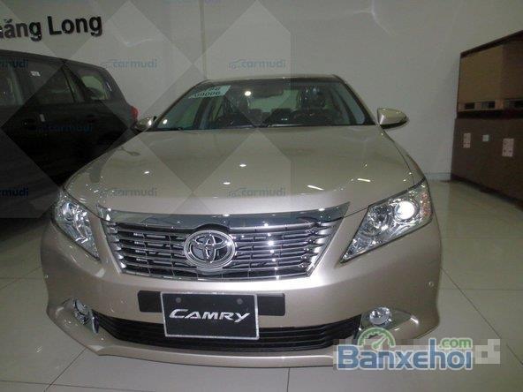 Cần bán Toyota Camry 2.5Q xe màu nâu vàng rất đẹp-0