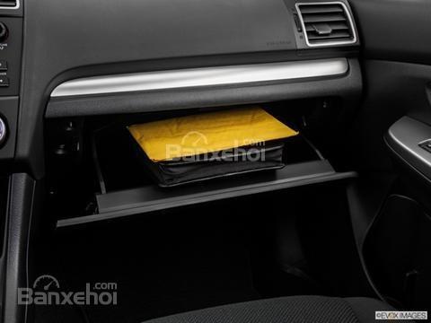 Đánh giá xe Subaru XV Crosstrek 2015: Khoang chứa đồ phía trong xe