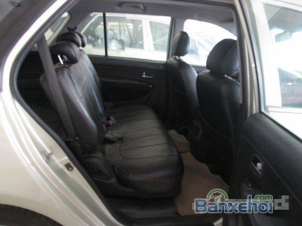 Xe Kia Carens 1.8 2012 cũ màu vàng đang được bán-5