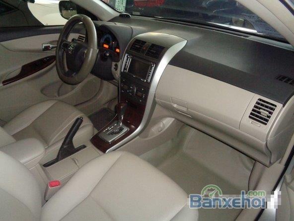 Xe Toyota Corolla Altis 2.0 2013 cũ màu bạc đang được bán-4