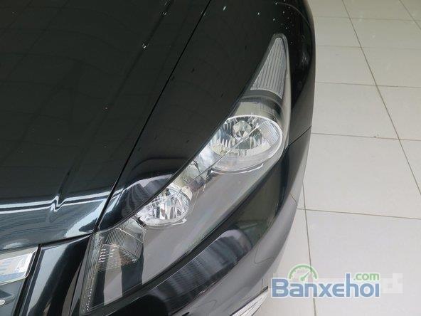 Cần bán xe Honda Accord AT năm 2012, màu đen đã đi 22000 km-8