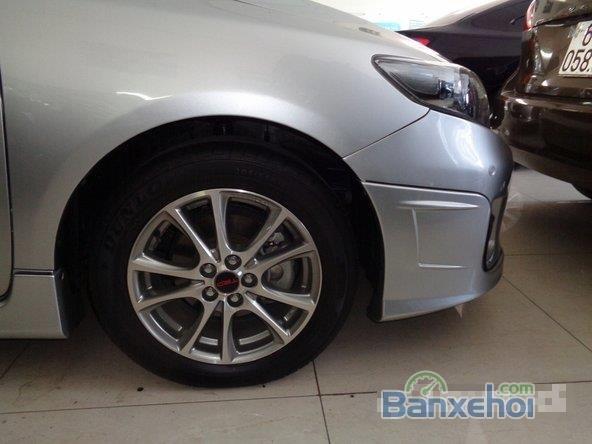 Xe Toyota Corolla Altis 2.0 2013 cũ màu bạc đang được bán-3