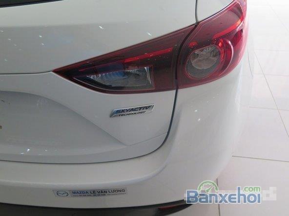 Xe Mazda 3 Skyactiv 2015 mới màu trắng đang được bán-4