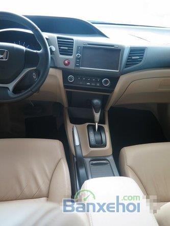 Xe Honda Civic 2 2012 cũ màu trắng đang được bán-7