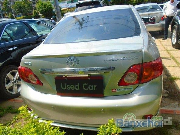 Chiếc Toyota Corolla Altis 2009 2.0G bạc đặc biệt này được bán với giá 645 tr-6