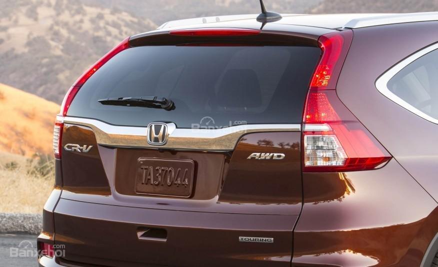Đánh giá xe Honda CR-V 2016: Cửa sổ hình tam giác hướng lên trên