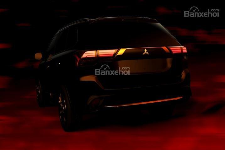 Mitsubishi Outlander Sport 2016 được tích hợp tiêu chuẩn kiểm tra áp suất lốp và hệ thống báo động mã hóa động cơ.
